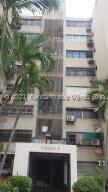 Apartamento En Ventaen Maracaibo, Avenida Goajira, Venezuela, VE RAH: 21-23918