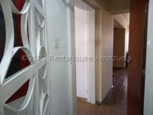 Apartamento En Alquileren Maracay, Avenida Constitucion, Venezuela, VE RAH: 21-23943
