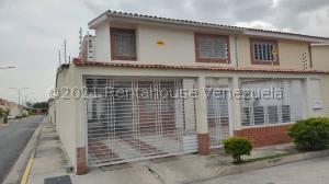 Townhouse En Ventaen Maracay, Los Girasoles, Venezuela, VE RAH: 21-11437