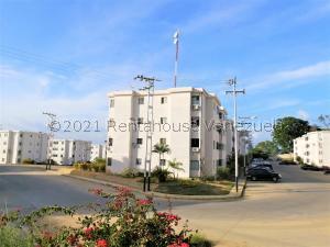 Apartamento En Ventaen Cabudare, La Piedad Sur, Venezuela, VE RAH: 21-24009