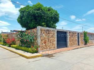 Casa En Ventaen Municipio Linares Alcantara, La Morita I, Venezuela, VE RAH: 21-24021