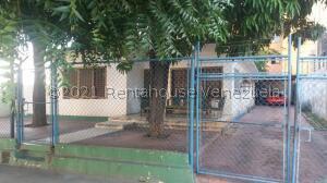 Casa En Ventaen Maracaibo, La Lago, Venezuela, VE RAH: 21-24025