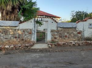 Casa En Ventaen Puerto La Cruz, Cantaclaro, Venezuela, VE RAH: 21-24034