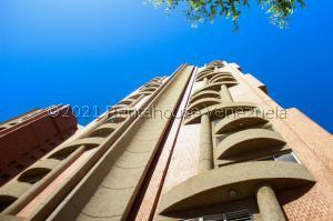 Apartamento En Ventaen Maracaibo, Avenida Universidad, Venezuela, VE RAH: 21-24096
