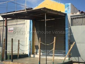 Local Comercial En Ventaen Punto Fijo, Santa Irene, Venezuela, VE RAH: 21-24042