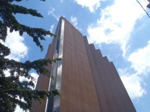 Local Comercial En Ventaen Caracas, Los Dos Caminos, Venezuela, VE RAH: 21-24048