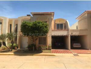 Townhouse En Ventaen Maracaibo, Avenida Milagro Norte, Venezuela, VE RAH: 21-24053