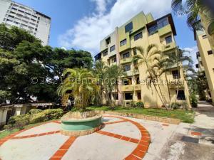 Apartamento En Ventaen Valencia, Campo Alegre, Venezuela, VE RAH: 21-24068