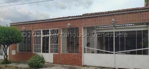 Casa En Ventaen Municipio San Diego, La Esmeralda, Venezuela, VE RAH: 21-24066