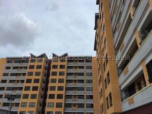 Apartamento En Ventaen Valencia, Agua Blanca, Venezuela, VE RAH: 21-24097