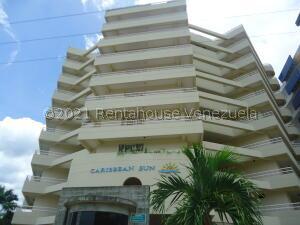 Apartamento En Ventaen Higuerote, Puerto Encantado, Venezuela, VE RAH: 21-24121