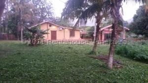 Casa En Ventaen Municipio Montalban, Aguirre, Venezuela, VE RAH: 21-24171