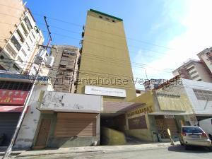 Local Comercial En Ventaen Maracay, Zona Centro, Venezuela, VE RAH: 21-13354