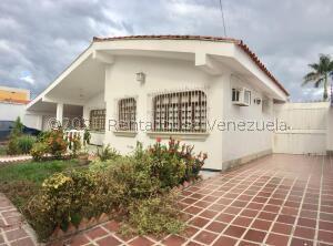 Casa En Ventaen Maracay, Andres Bello, Venezuela, VE RAH: 21-24187