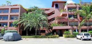 Apartamento En Ventaen Margarita, Playa Moreno, Venezuela, VE RAH: 21-24184