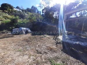Terreno En Ventaen Los Teques, Municipio Guaicaipuro, Venezuela, VE RAH: 21-24211