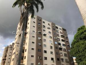 Apartamento En Ventaen Valencia, Agua Blanca, Venezuela, VE RAH: 21-24224