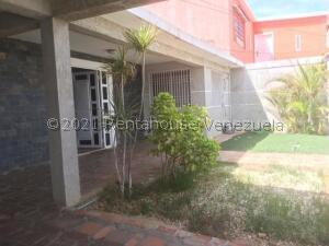 Casa En Ventaen Punto Fijo, Puerta Maraven, Venezuela, VE RAH: 21-24229