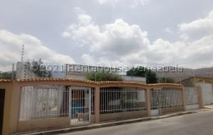 Casa En Ventaen Maracay, El Limon, Venezuela, VE RAH: 21-24256