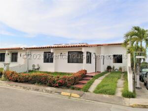 Casa En Ventaen Cabudare, Parroquia José Gregorio, Venezuela, VE RAH: 21-24264