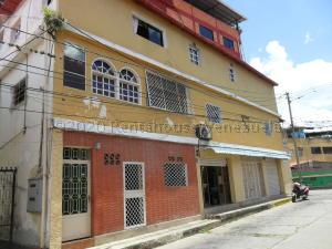 Apartamento En Ventaen Parroquia Carayaca, Sector Cruz Verde, Venezuela, VE RAH: 21-24275