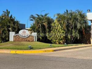 Terreno En Ventaen Punto Fijo, Terrazas Club De Golf, Venezuela, VE RAH: 21-24278
