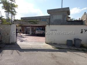 Casa En Ventaen Caracas, La Lagunita Country Club, Venezuela, VE RAH: 21-24295