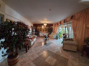 Apartamento En Ventaen Maracaibo, Santa Rita, Venezuela, VE RAH: 21-24313