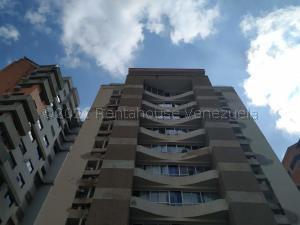 Apartamento En Ventaen Valencia, El Bosque, Venezuela, VE RAH: 21-24318