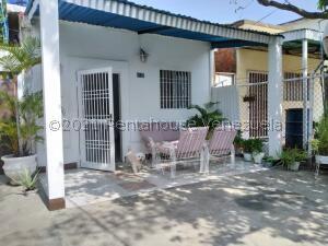 Casa En Ventaen Maracaibo, Valle Frio, Venezuela, VE RAH: 21-24322