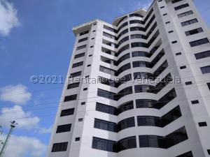 Apartamento En Ventaen Valencia, Los Mangos, Venezuela, VE RAH: 21-24328