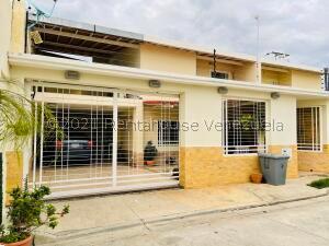 Casa En Ventaen Maracay, La Morita, Venezuela, VE RAH: 21-24327
