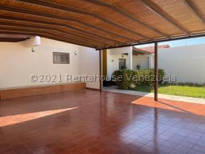 Casa En Ventaen Punto Fijo, Puerta Maraven, Venezuela, VE RAH: 21-24367