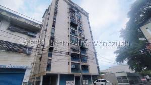 Oficina En Ventaen Maracay, Zona Centro, Venezuela, VE RAH: 21-24368