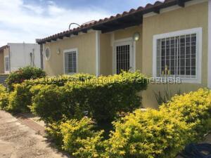 Casa En Ventaen Punto Fijo, Puerta Maraven, Venezuela, VE RAH: 21-24388