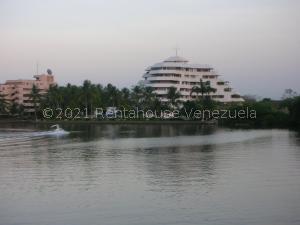Apartamento En Ventaen Rio Chico, Los Canales De Rio Chico, Venezuela, VE RAH: 21-24413