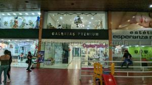 Local Comercial En Alquileren Caracas, Las Mercedes, Venezuela, VE RAH: 21-24422