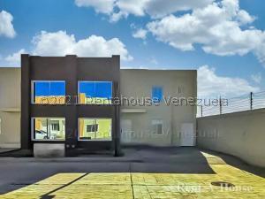 Townhouse En Ventaen Punto Fijo, Puerta Maraven, Venezuela, VE RAH: 21-24434