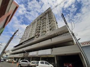 Apartamento En Ventaen Maracay, Zona Centro, Venezuela, VE RAH: 21-24446
