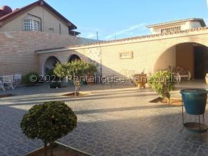 Casa En Ventaen Punto Fijo, Santa Fe, Venezuela, VE RAH: 21-24449