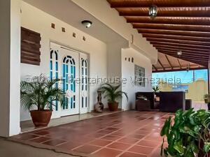 Casa En Ventaen Punto Fijo, Puerta Maraven, Venezuela, VE RAH: 21-24452