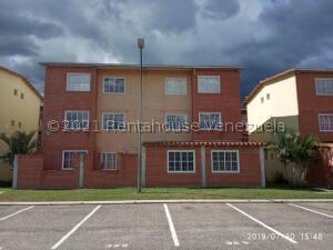 Apartamento En Ventaen Guatire, Alto Grande, Venezuela, VE RAH: 21-24510