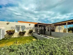 Casa En Ventaen Punto Fijo, Puerta Maraven, Venezuela, VE RAH: 21-24467
