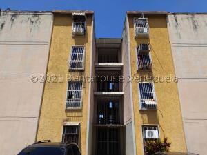 Apartamento En Alquileren Valencia, Los Caobos, Venezuela, VE RAH: 21-24477