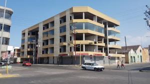 Edificio En Ventaen Cumana, Casco Central, Venezuela, VE RAH: 21-24490