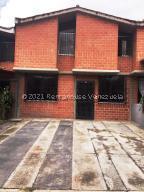 Townhouse En Ventaen Guarenas, Nueva Casarapa, Venezuela, VE RAH: 21-24551
