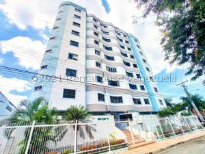 Apartamento En Ventaen Maracay, Los Caobos, Venezuela, VE RAH: 21-24563