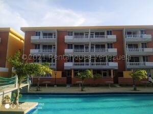Apartamento En Ventaen Higuerote, La Costanera, Venezuela, VE RAH: 21-24590