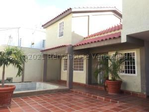 Casa En Ventaen Punto Fijo, Santa Irene, Venezuela, VE RAH: 21-24620