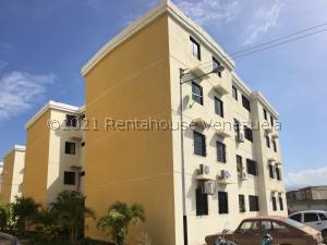 Apartamento En Ventaen Turmero, Conjunto Residencial Las Carolinas Ii, Venezuela, VE RAH: 21-24622